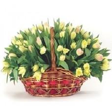 """Тюльпаны в корзине """"101 Колокольчик"""""""