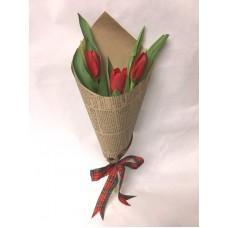Букет из 3 красных Тюльпанов