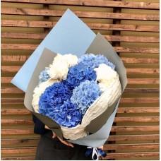 Букет с синей Гортензией