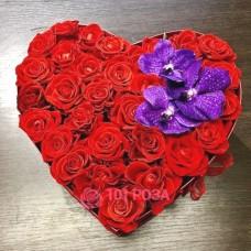 """Сердце из Роз """"Красотка"""""""