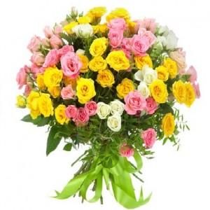 """Букет из кустовых роз """"Летний день"""""""