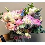 Букет невесты из Пионов и Роз №45