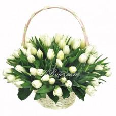 """Тюльпаны в корзине """"Подснежники"""""""