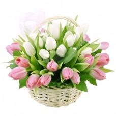 """Тюльпаны в корзине  """"Безмятежность"""""""