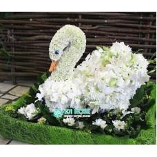 """Игрушка из цветов """"Лебедь"""""""