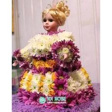 """Игрушка из цветов """"Кукла"""""""