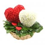 """Игрушка из цветов """"Сердца"""""""