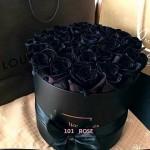 Черные Розы в шляпной коробке