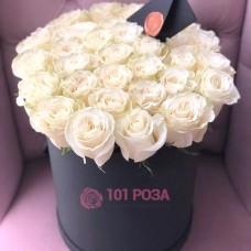 """Голландские Розы в шляпной коробке """"Пьеро"""""""