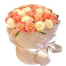 """Розы в шляпной коробке """"Ностальгия"""""""