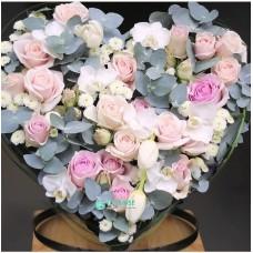 Сердце из цветов на свадьбу №1