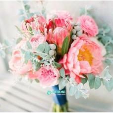 Букет невесты из Пионов и Роз №63