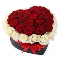 """Розы в коробке """"Влюбленные"""""""