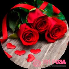 Кому и когда дарят красные розы